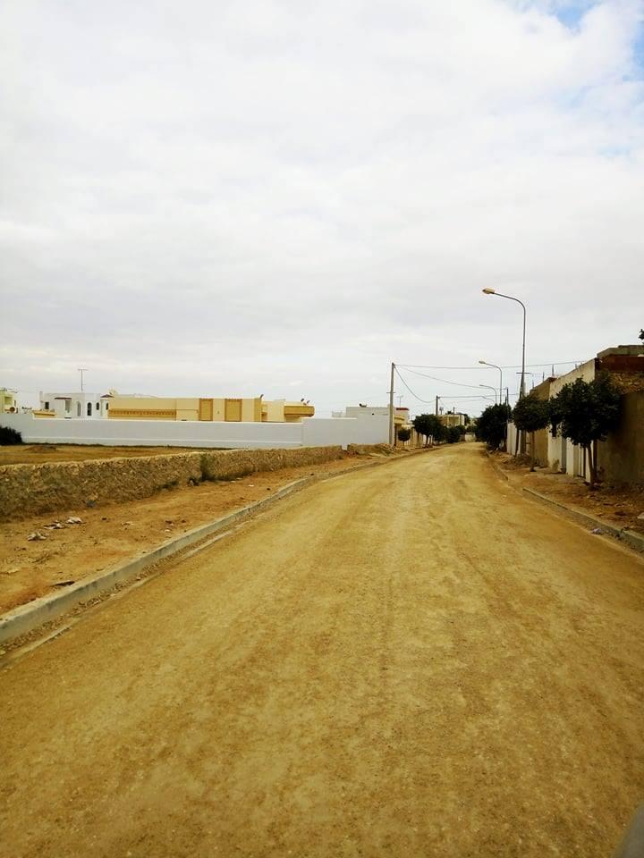 مصلحة الأشغال : تعبيد مجموعة من الشوارع